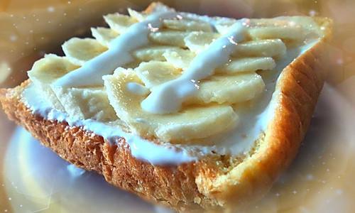减肥之选——香蕉全麦三明治的做法