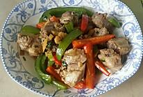青红椒炒排骨的做法
