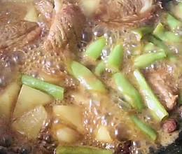 炖排骨土豆豆角的做法