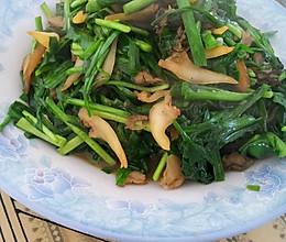 扇贝边炒韭菜的做法