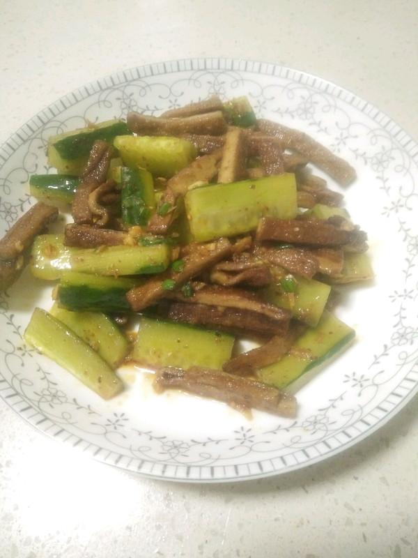 凉拌黄瓜豆干的做法