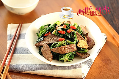 猪肝炒菠菜