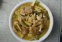 新鲜竹笋烧腊肉的做法