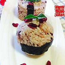 """蔓越莓玫瑰爆浆饭团""""莓汁莓味"""""""
