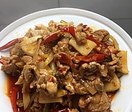 泡菜炒里脊肉的做法