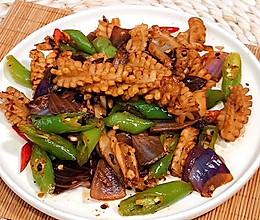 爆炒干锅鱿鱼花,好吃下饭的做法