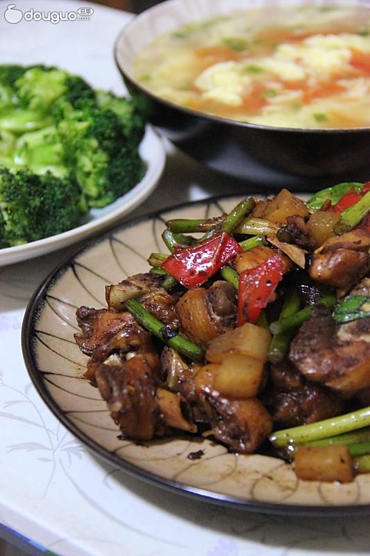 蒜苔鸡肉的做法