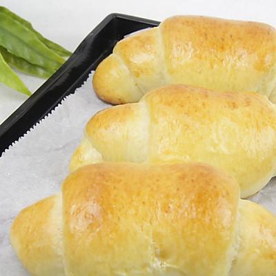 西式早餐——奶油面包卷