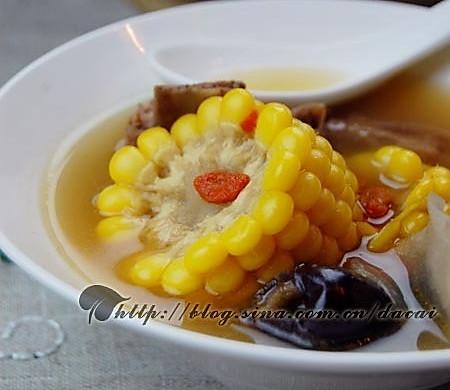 玉米淮杞脊骨汤