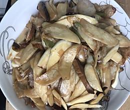 茭白香菇炒肉的做法