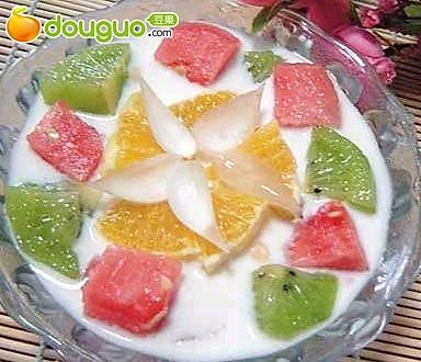 椰奶什果西瓜盅的做法
