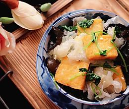 降三高家常菜,双耳炒豆腐的做法