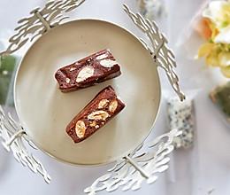 巧克力杏仁牛轧糖的做法