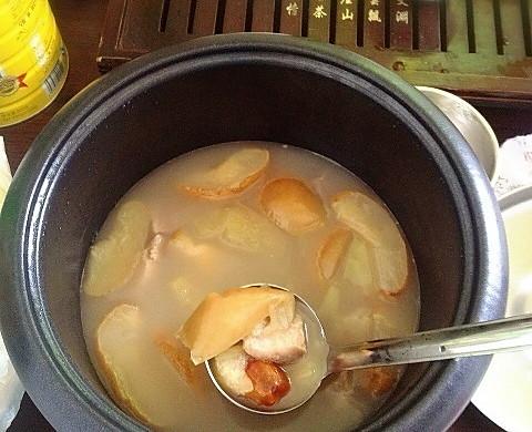苹果雪梨瘦肉汤