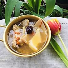 响螺片椰子鸡汤