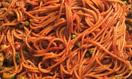 意大利面版美味Q弹的麻辣炒面的做法
