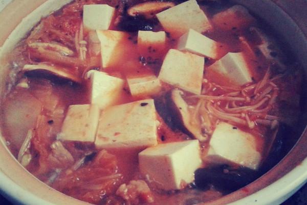 韩国泡菜汤 ´▽`  真酱好好吃哇的做法