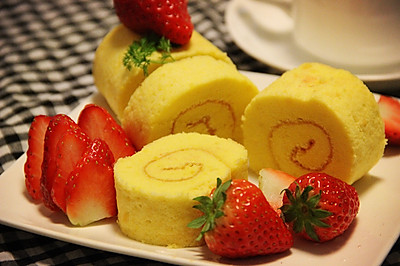 美美噠——草莓蛋糕卷