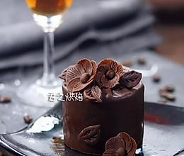 """让你的朋友们都会喊""""哇!""""的巧克力蛋糕的做法"""