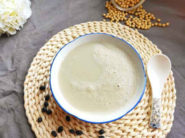瘟疫期间早餐必备的简单好喝的黄豆黑豆豆浆的做法