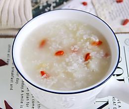 止咳润肺,清肝明目的雪梨银耳枸杞粥,一碗能养颜的粥的做法