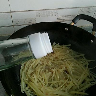 沙茶牛肉炒土豆丝的做法 步骤9