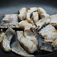 【豆腐炖鱼汤】#快手又营养,我家的冬日必备菜品#的做法图解5