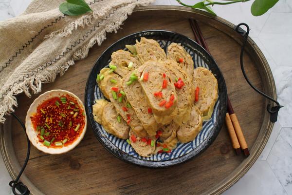 鸡肉莲藕豆腐卷的做法