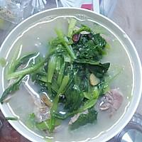 小白菜大骨头汤的做法图解4
