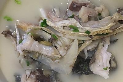 奶白胖头鱼汤