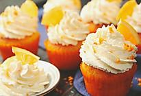 让人心醉的香橙杯子蛋糕来一块吗?的做法