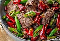 小炒红酒牦牛肉 细嫩香辣的做法