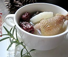冬日里驱寒暖身滋补汤水--【木耳山药土鸡汤】的做法