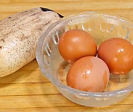 莲藕别再炖了,加3个鸡蛋,这样做太解馋了的做法