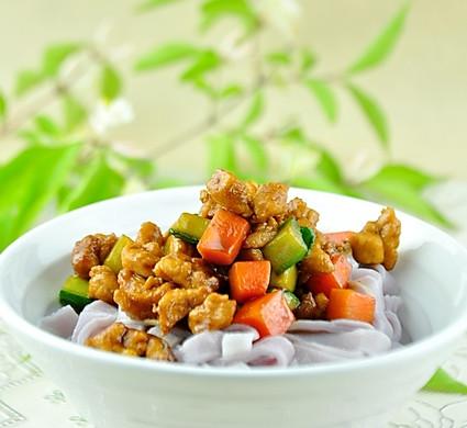 天然色素:紫薯面条