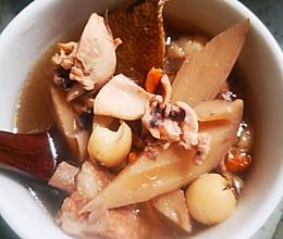 双莲墨鱼汤的做法