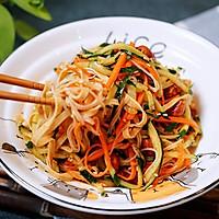 绝佳开胃凉菜之凉拌豆皮丝的做法图解5