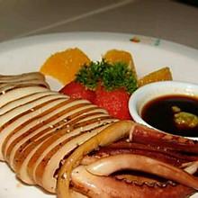 韩式凉菜冷盘:鱿鱼沾辣根/芥末