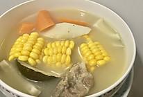 椰子玉米胡萝卜淮山猪骨汤的做法