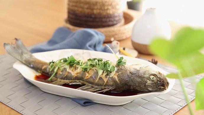 清蒸鲈鱼  宝宝健康食谱