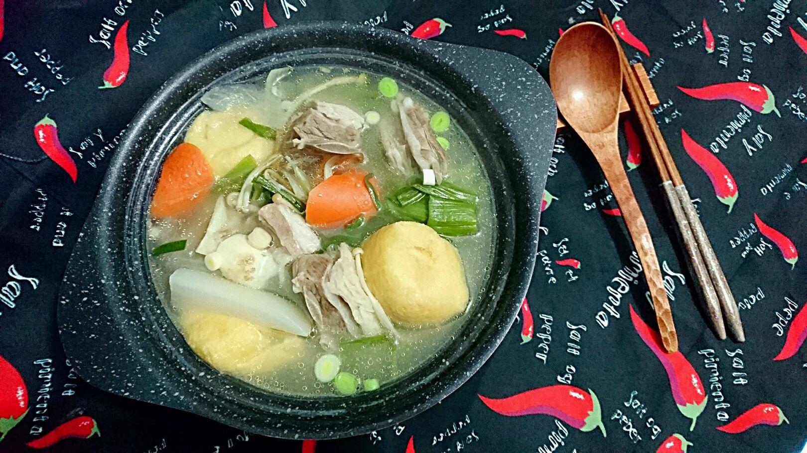 图解 羊排/14. 喝一口,鲜甜,很甜丝丝的汤。清炖羊排有一股奶味,很好吃