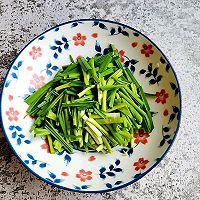 青蒜苗炒豆腐皮#做道好菜,自我宠爱!#的做法图解2