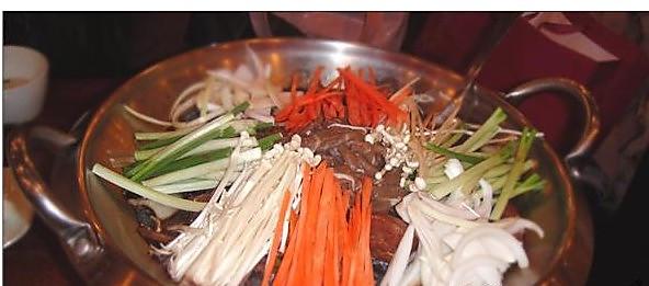 烤牛肉火锅的做法