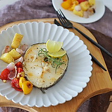 健身食谱|煎鳕鱼配烤杂蔬菜,挑顺手的来#硬核菜谱制作人#