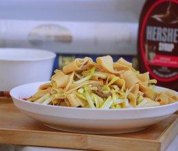饭桌家常菜•蒜黄炒干豆腐皮的做法
