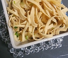炝拌干豆腐丝的做法