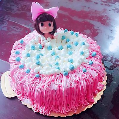 泡浴娃娃生日蛋糕,继抹不平奶油也可以高大尚