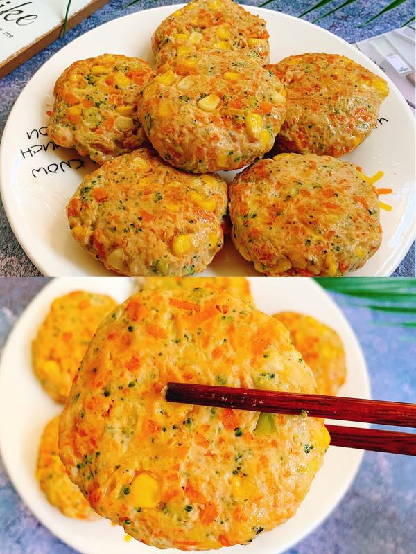 一口可以吃好几种蔬菜的鸡胸肉饼,超低脂的做法