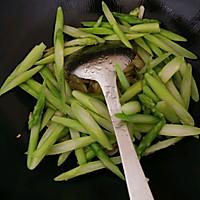 #花10分钟,做一道菜!#芦笋炒百合的做法图解9