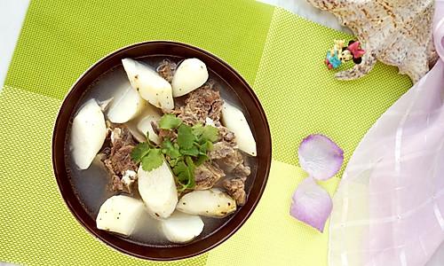 清炖山药牛骨汤的做法